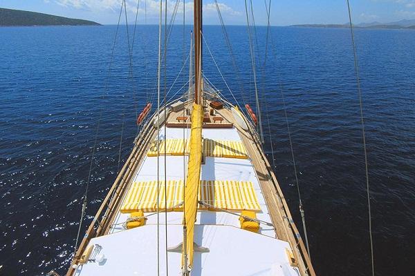 yacht leros